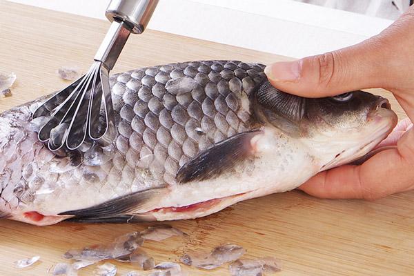 Bí quyết sau sẽ giúp bạn xử lý được tanh của các loại cá với Máy lọc không khí trong nhà bếp