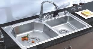 Bồn rửa chén tắt nghẽn gây ảnh hưởng tới vệ sinh chung