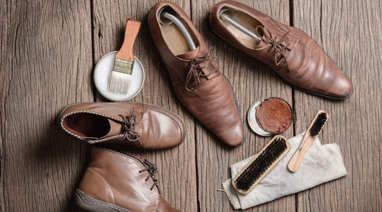 Các bảo quản giày mọi nam nhung như thế nào cho bền
