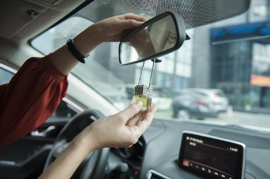 Các cách khử mùi xe ôtô nhanh nhất với chi phí thấp