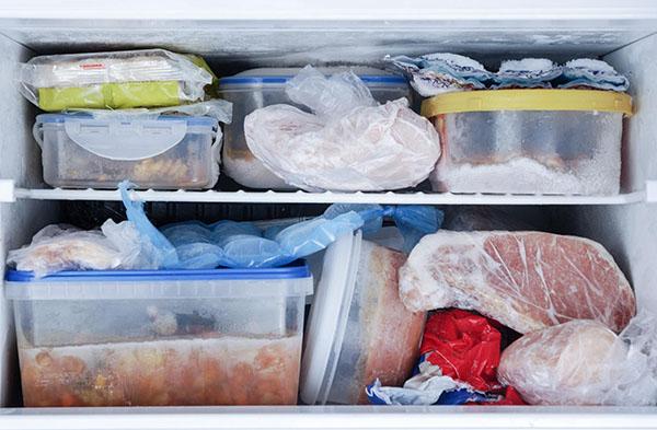 Có rất nhiều cách khử mùi tủ lạnh bạn nên tham khảo