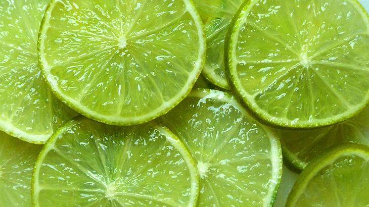 Dùng vỏ cam để khử mùi hôi trong tủ lạnh