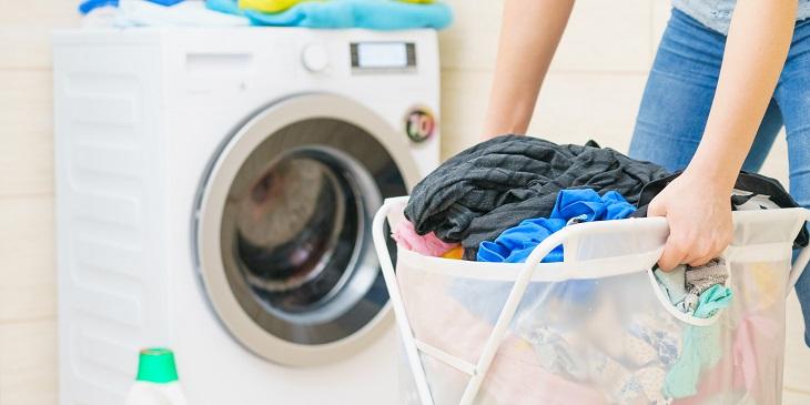 Giặt sạch quần áo bằng máy không phải đụng nhiều đến hóa chất