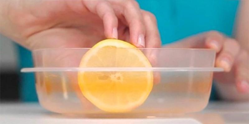 Hãy ghi nhớ những mẹo nhỏ khử mùi cho hộp nhựa