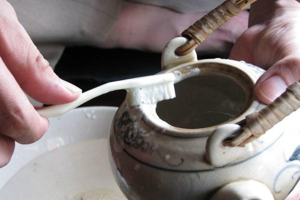 Hướng dẫn cho bạn hô biến đồ gốm sứ đã cũ thành mới toanh