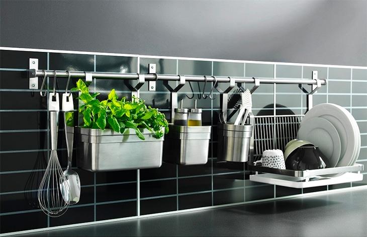 Làm sạch vết ố trên đồ inox, giúp cho đồ dùng của bạn luôn sáng bóng