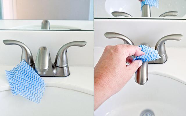 Loại bỏ cặn vôi bám ở vòi nước trong phòng tắm