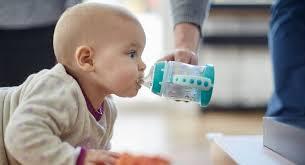 Lợi ích của việc uống nước đối với bà bầu và trẻ sơ sinh
