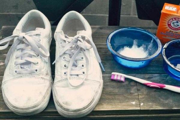 Mách bạn cách khử mùi hôi trong giày thể thao hiệu quả với  Máy lọc không khí ozone