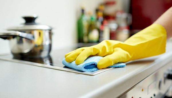 Mẹo vặt giúp đánh bay vết bẩn trong nhà bếp