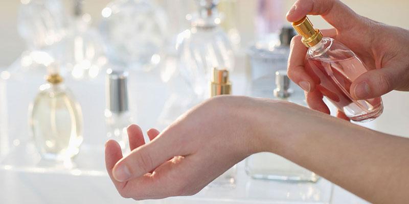 Mẹo vặt khử mùi nước hoa nếu bạn không thích nó