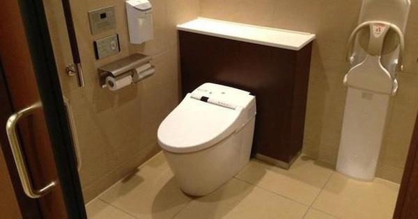 Nhà vệ sinh sạch sẽ khiến bạn thoải mái hơn khi dùng Máy Ozone khử mùi nhà vệ sinh