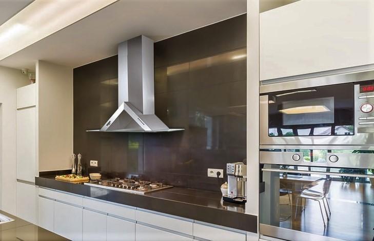 Phải tìm cách khử mùi phòng bếp cho hiệu quả nhất