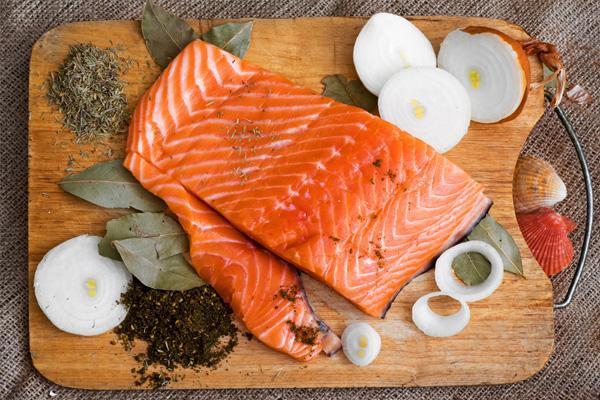 Tìm hiểu cách chế biến cá không bị tanh với máy lọc không khí nhà bếp