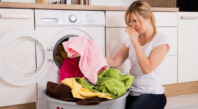Tìm hiểu nguyên nhân và cách tẩy mốc quần áo trong máy ozone khử mùi ở bài sau