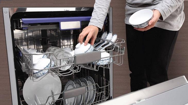 Tìm hiểu những cách rửa chén bát an toàn và hiệu quả