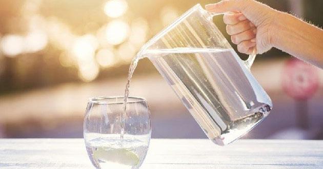 Uống nước đủ và đúng cách để bảo vệ sức khỏe của bạn