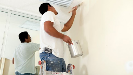 Việc sơn tường thường mất rất nhiều chi phí và thời gian